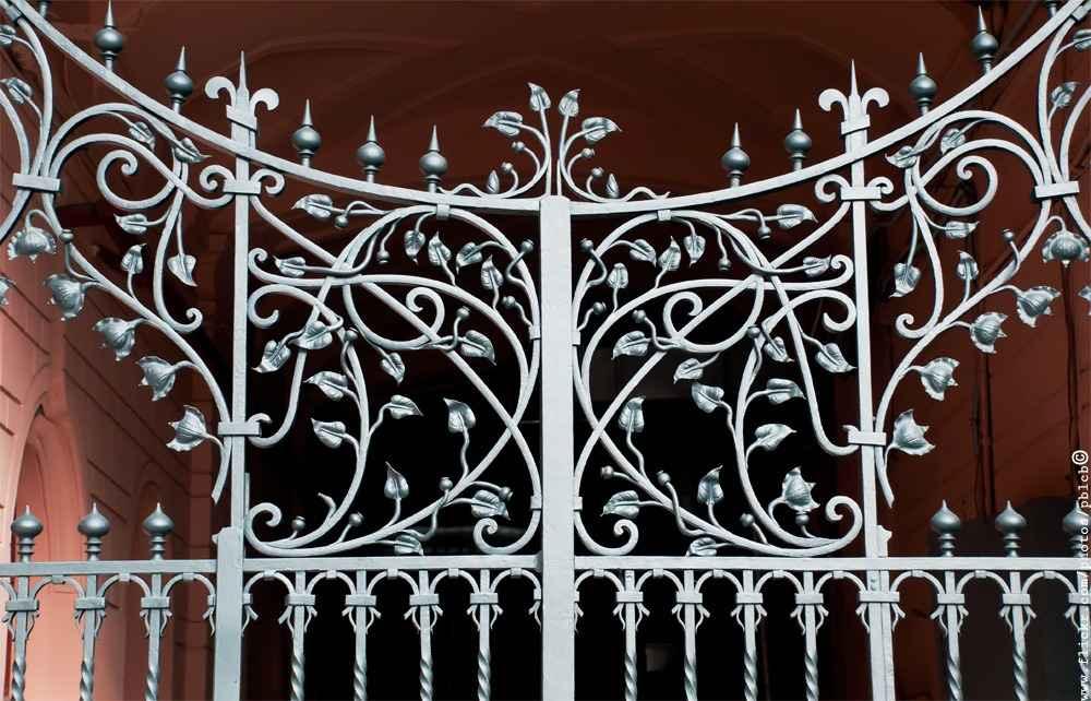Красивые кованные ворота