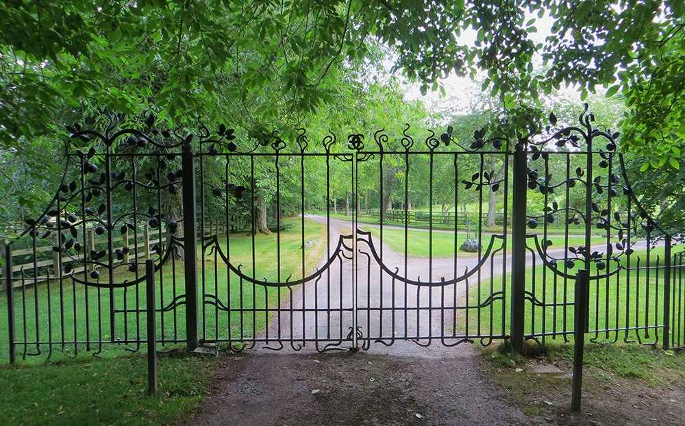Дизайн кованных ворот и калиток