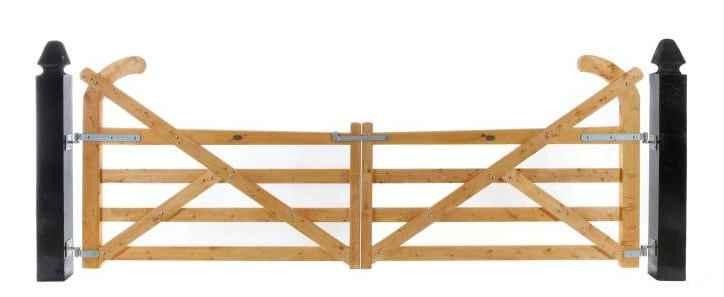 Пример ворот из дерева