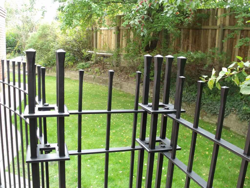 Кованные ворота (калитка) для своего участка