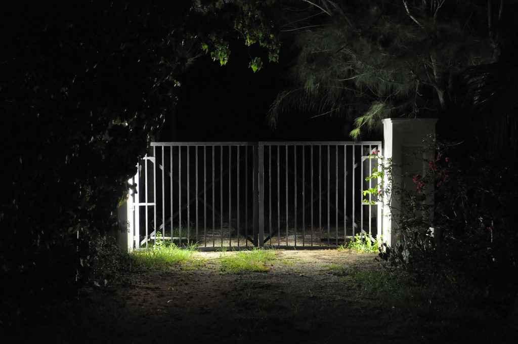 Установка ворот с автооткрыванием