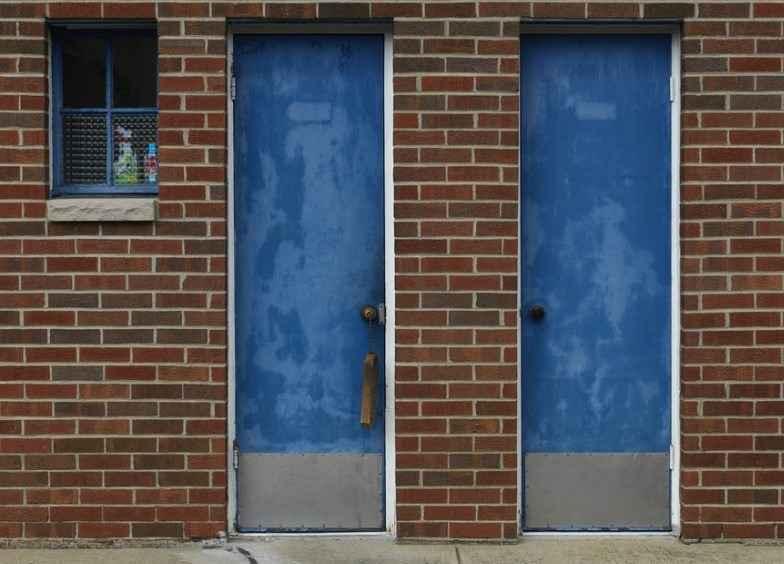 Противопожарные двери из древесины