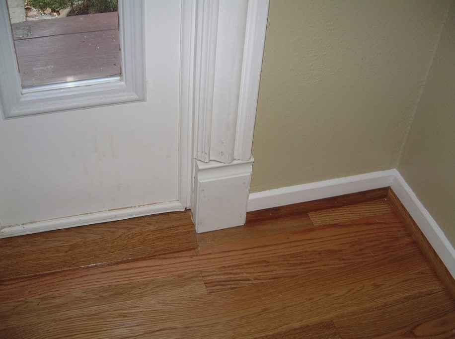 Пороги для пола дверных проемов