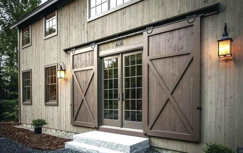 Амбарные двери в декорации квартиры