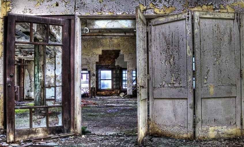 Межкомнатные и входные двери в Смоленске