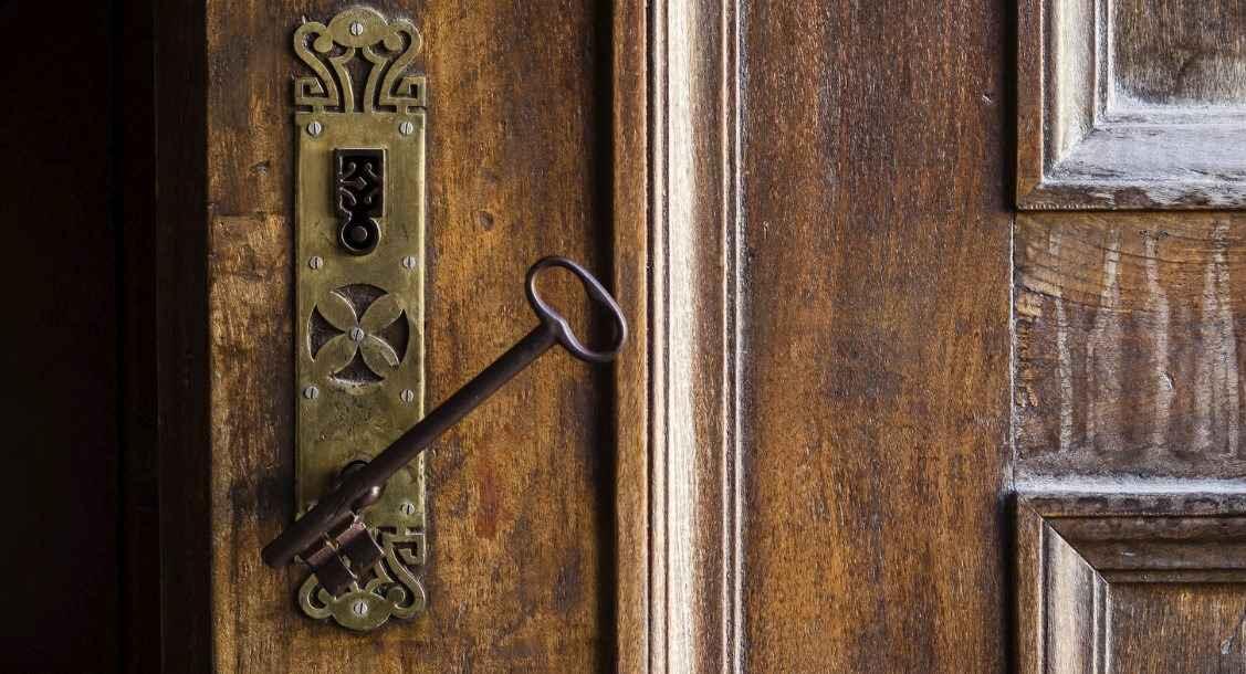 качественные входные или межкомнатные двери