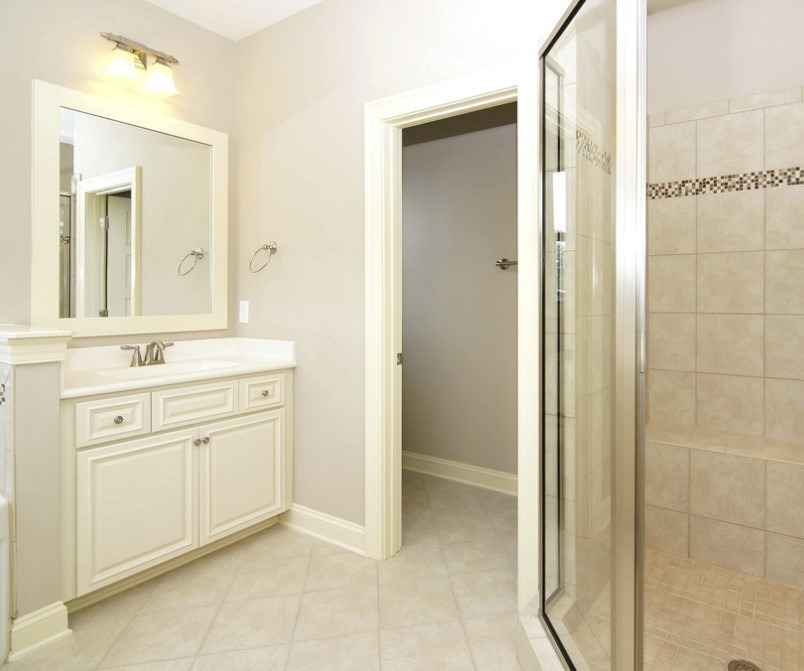 Лучший вариант дверей для ванной комнаты