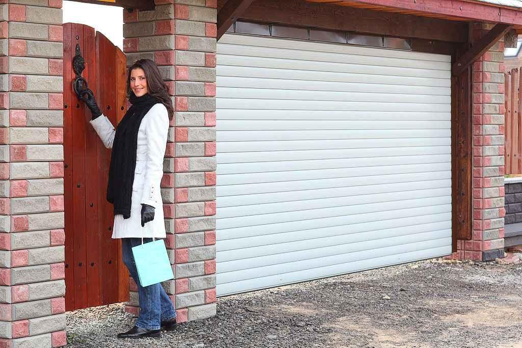 Монтаж роллетных систем подъемных и секционных ворот в гараж