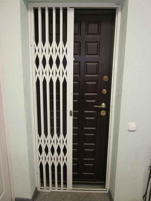 Лучшие раздвижные решетки на двери