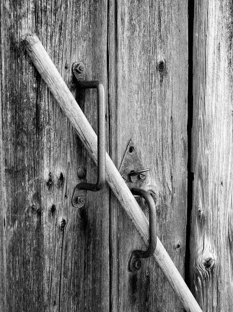 Способы открывания дверей, которые захлопнулись
