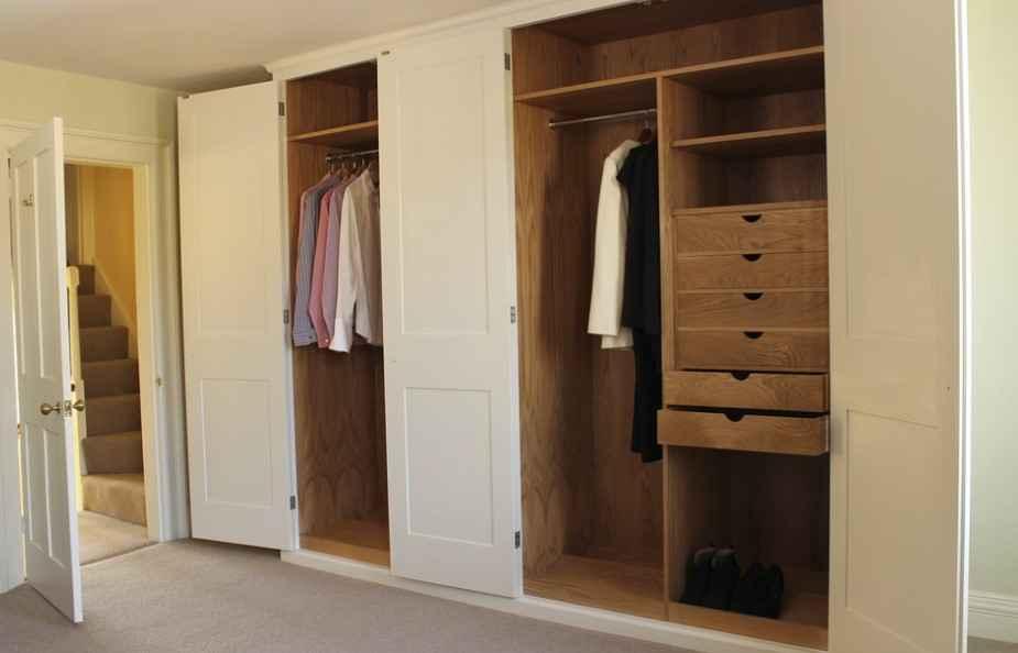 Дверь для гардероба