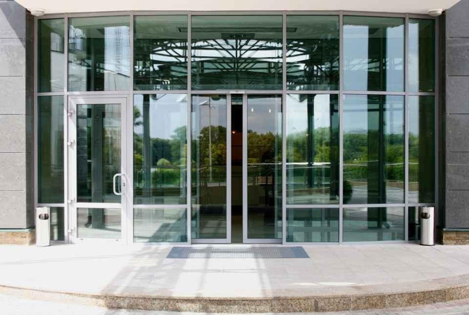 Раздвижные двери в автоматической комплектации