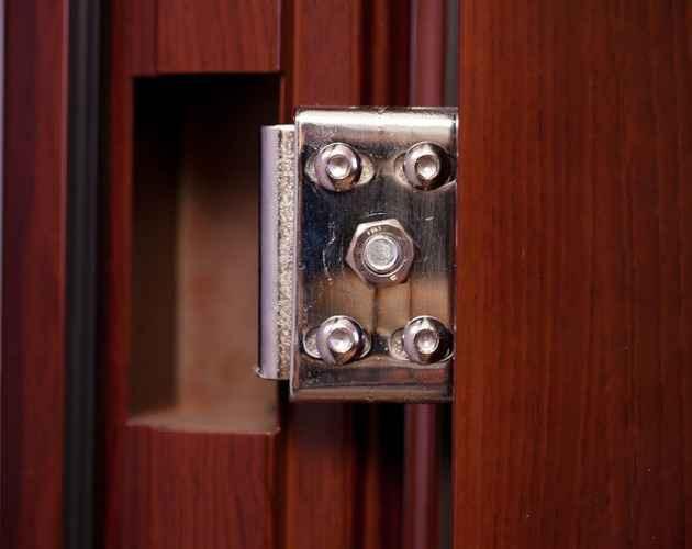 Регулировка металлической входной двери