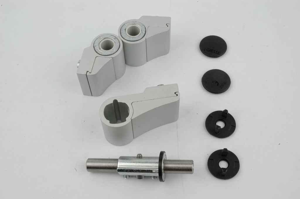 Петли для металлических дверей из алюминия должны не только выдерживать большие нагрузки, но и служить длительный срок. Большое внимание уделяется способу их установки на дверь.