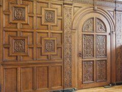Особенности элитных межкомнатных дверей из массива дерева