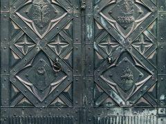 Кованные ворота. Волшебство грубой силы и полета фантазии