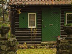 Входные двери нестандартного размера: решаемый вопрос