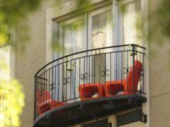 Пластиковые двери на балкон из ПВХ, деревянные и французские
