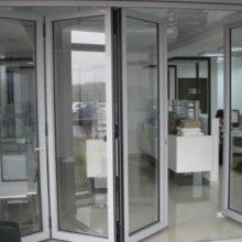 Выбираем алюминиевые и пластиковые раздвижные двери