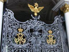 Кованые детали для ворот и калиток: способы изготовления и внешний вид