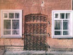 Особенности выбора дверей в Тольятти: производители, цены