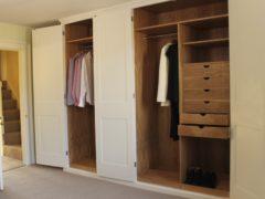 Двери для гардеробной – выбираем лучший вариант стильный, оригинальный и удобный вход