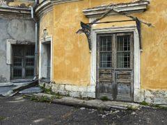 Выбор межкомнатных дверей в Омске