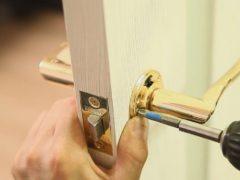 Ручки для входных и межкомнатных дверей: комфорт и стиль в одном изделии