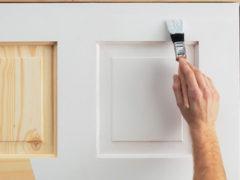 Как обновить старые деревянные двери своими руками оригинально