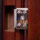 Регулировка металлической входной двери: причины, следствия и процесс