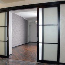 Пенальные конструкции для межкомнатной входной двери
