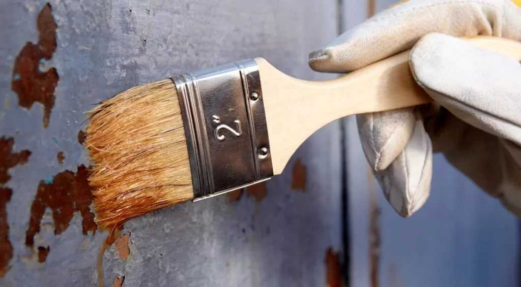 как очистить деревянную дверь от старой краски