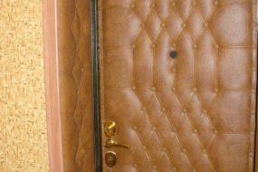 Замена обивки дверей