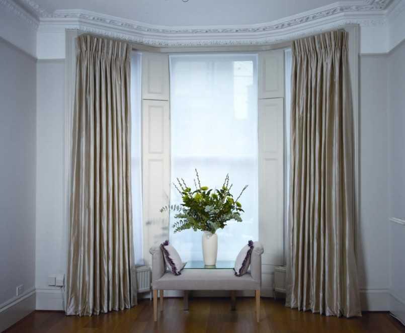 украшение окна карнизом