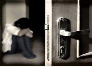 Как открывать дверь, если она не открывается