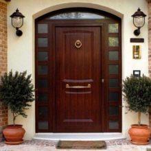 Как выбрать в частный дом надёжную входную дверь