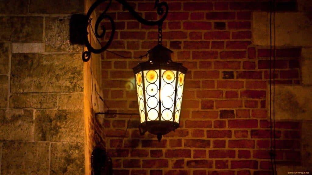 Уличные настенные фонари